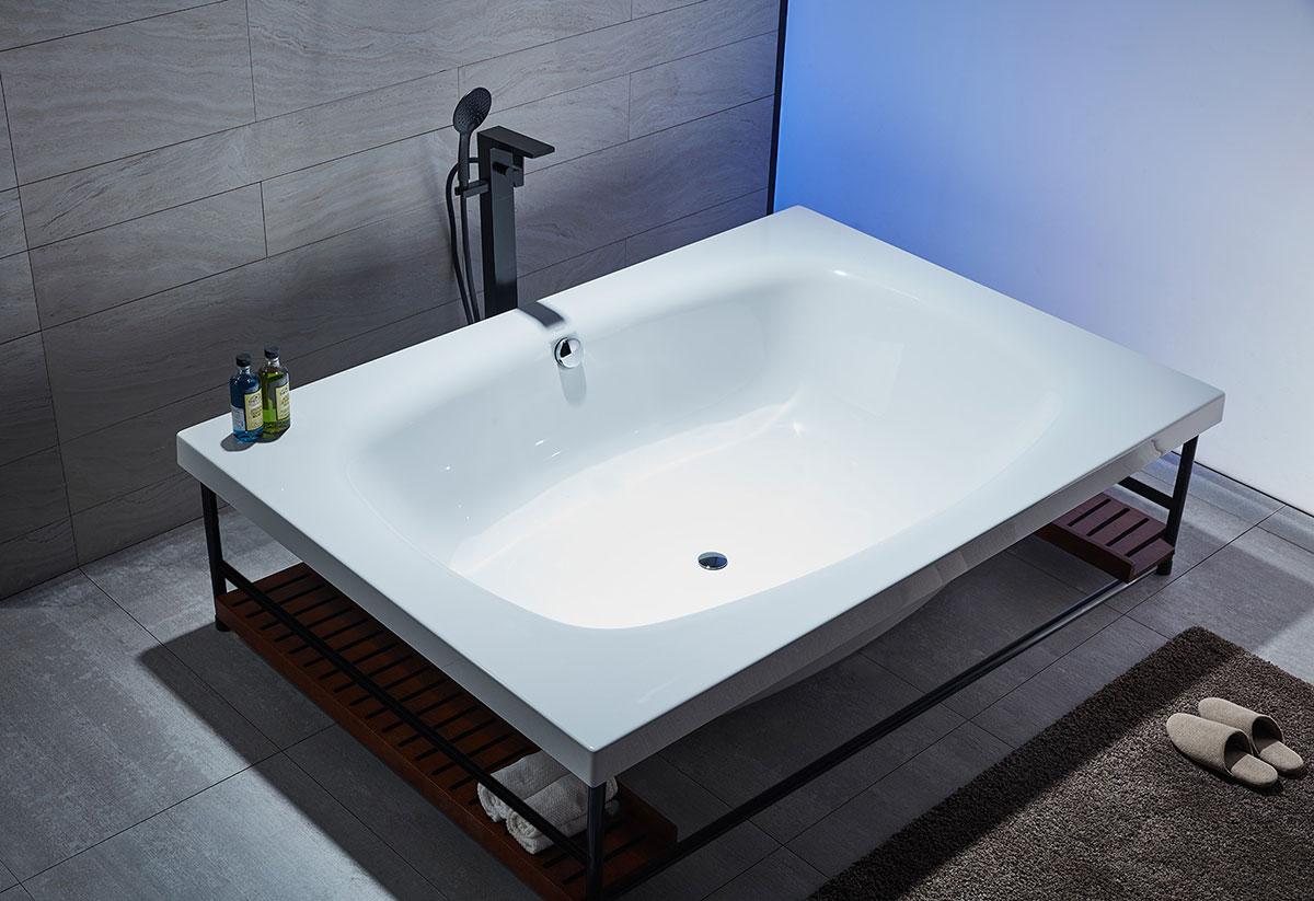 2m Free Standing Bathtub